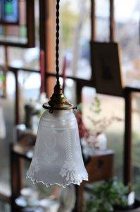 アーツ&クラフツ 百合の花 エッチング ランプシェード