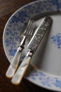 マザーオブパールのハンドル デザート用フォーク&ナイフ 2セット