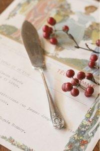 英国製 シルバープレート 月桂樹のリース  バターナイフ