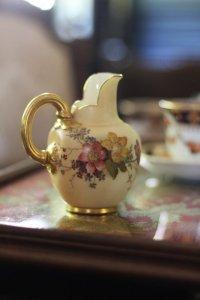 ロイヤルウースター ワイルドローズのブーケ 小さなミルクジャグ