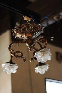 フレンチ エレガントに描く葉 3灯 バラのシャンデリア
