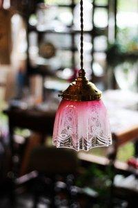 クランベリーガラス エドウォーディアンの花 ガス灯 ランプシェード