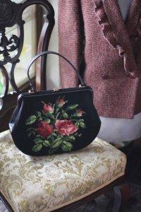 バラのブーケのミディポワン 実用サイズのヴィンテージ・ハンドバッグ