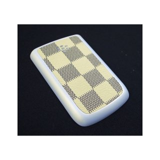 BlackBerry Bold 9780/9700 Battery Door  Checker Flag Motif Cream Yellow  Rubberized Pearl White