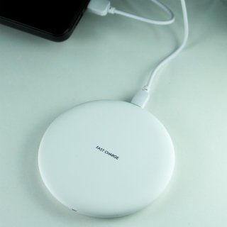 【iPhone対応! ワイヤレス充電器セット】GauGau Wireless Charger White(Lightningレシーバー付)