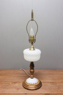 Hobnail Table Lamp