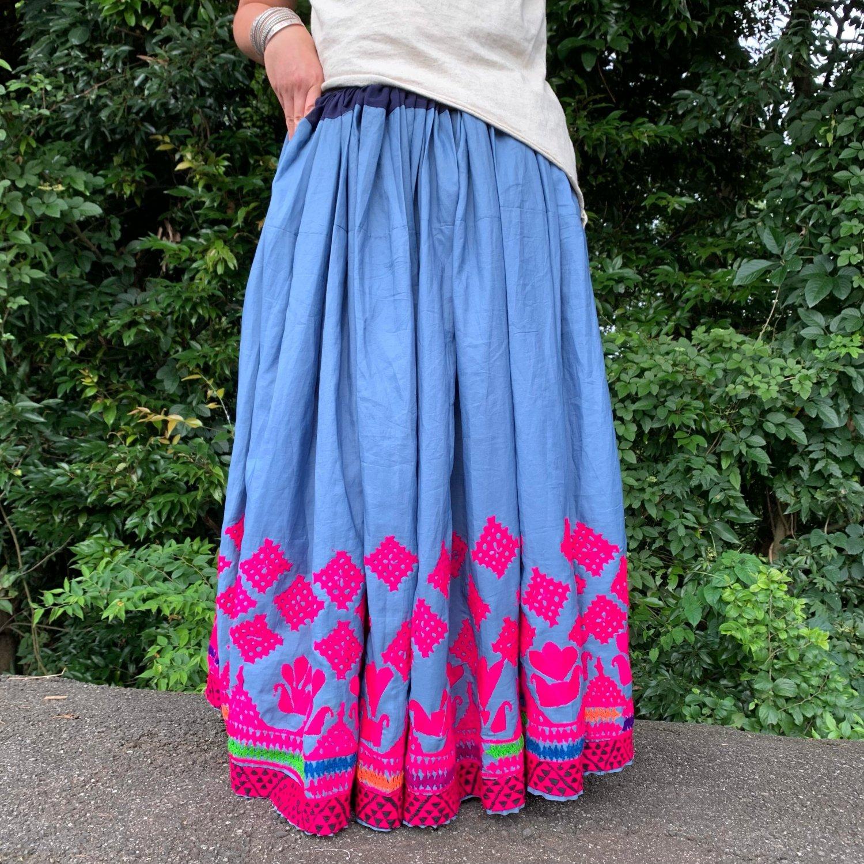 Kutch gypsy skirt #42 *vintage from India * カッチ刺繍スカート バンジャラ《ブルーグレー》