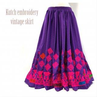 Kutch gypsy skirt #44 *vintage * カッチ刺繍スカート バンジャラ《パープル2》