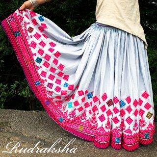 Kutch gypsy skirt #50 *vintage * カッチ刺繍スカート バンジャラ《グレー7》