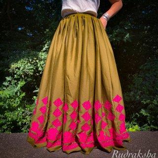 Kutch gypsy skirt #65 *vintage * カッチ刺繍スカート バンジャラ《ヘナ色》