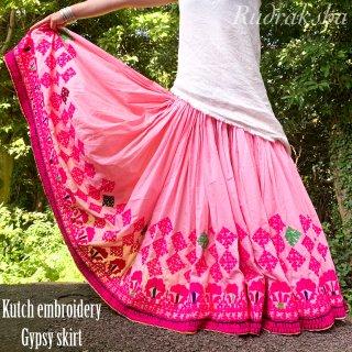 Kutch gypsy skirt #72 *vintage * カッチ刺繍スカート バンジャラ《ベビーピンク》