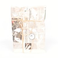 < GIFT WRAPPING SERVICE / ギフトラッピングサービス > NEWSPAPER ENGLISH