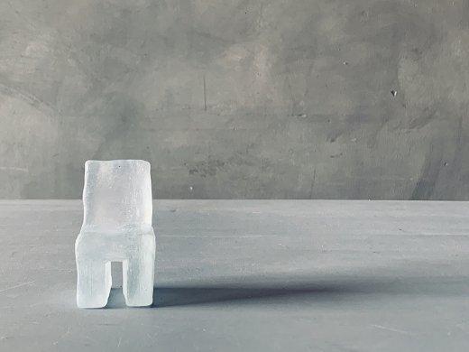 椅子のオブジェ/塩谷直美
