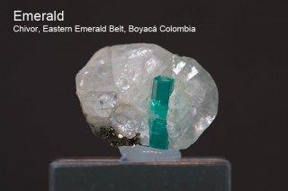 エメラルド on カルサイト 結晶 コロンビア産|緑柱石|Penas Blancas Mine, San Pablo de Borbur, Boyaca Colombia|Emerald|1347A|