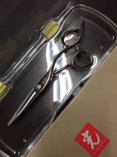 【新品】光シザー ジュニア用シリーズ 光龍 505 5.5インチ ハマグリ刃 3Dハンドル ヒカリ Koryu