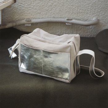how to live Sholder Bag <img class='new_mark_img2' src='https://img.shop-pro.jp/img/new/icons5.gif' style='border:none;display:inline;margin:0px;padding:0px;width:auto;' />