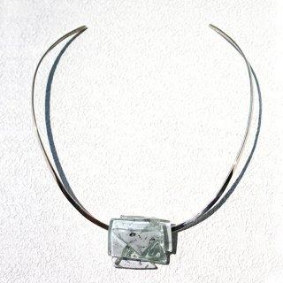 1点ものガラスのシルバーチョーカー(太Uタイプ)|Silver Snow|箱付