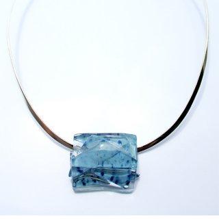 1点ものガラスのシルバーチョーカー(太Uタイプ)|blue blue sky|箱付