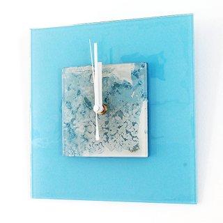 ガラスアート時計・「窓辺の雪」