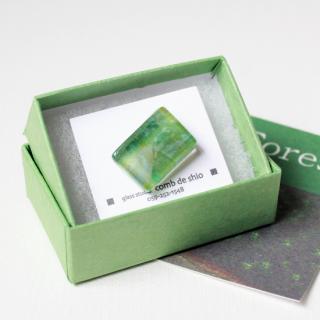 伊勢志摩シリーズ・1点ものガラスラペルピン「森/Forest」 箱付 男女兼用