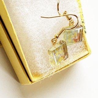 伊勢志摩シリーズ・1点ものガラスのハンギングピアス「花/Flower」|箱付