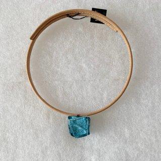 1点ものガラスの「革チョーカー・ベージュ色」|箱付