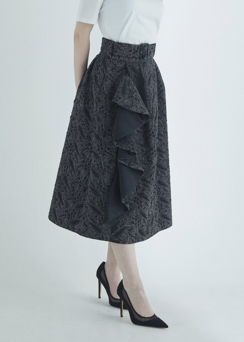 <img class='new_mark_img1' src='https://img.shop-pro.jp/img/new/icons16.gif' style='border:none;display:inline;margin:0px;padding:0px;width:auto;' />Frilled skirt with belt