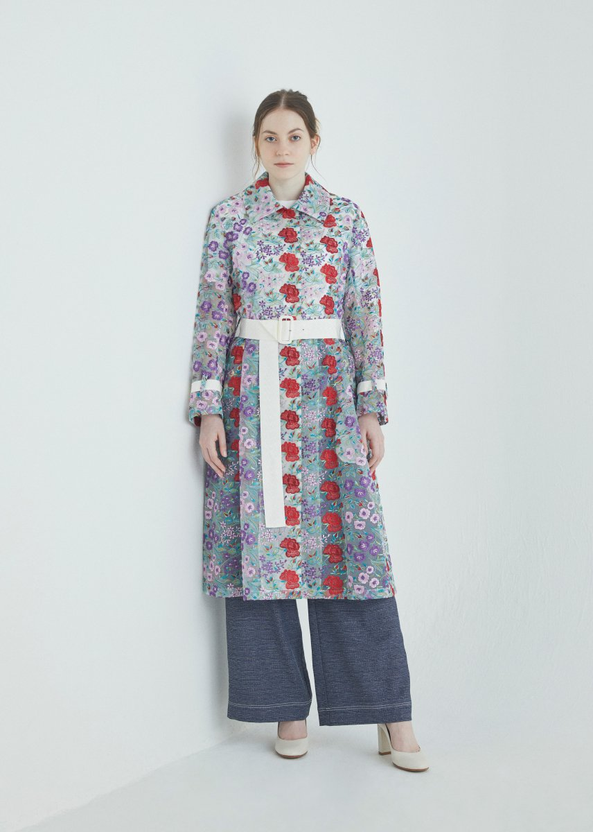 <img class='new_mark_img1' src='https://img.shop-pro.jp/img/new/icons16.gif' style='border:none;display:inline;margin:0px;padding:0px;width:auto;' />Flower multi-color embroidery convertible collar coat