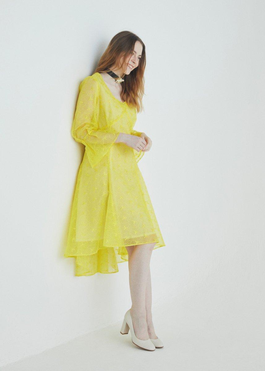 Drape middle dress