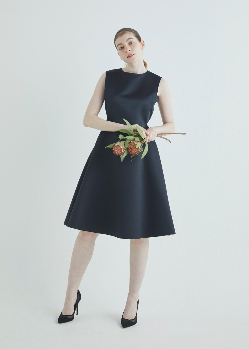 Color arrangement bonding sleeveless dress
