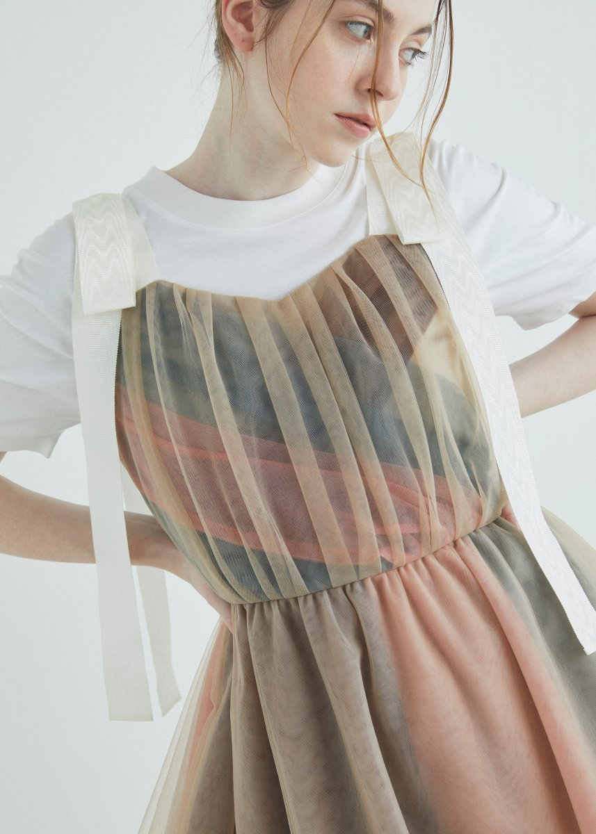 <img class='new_mark_img1' src='https://img.shop-pro.jp/img/new/icons16.gif' style='border:none;display:inline;margin:0px;padding:0px;width:auto;' />Multiple layered tulle bustier