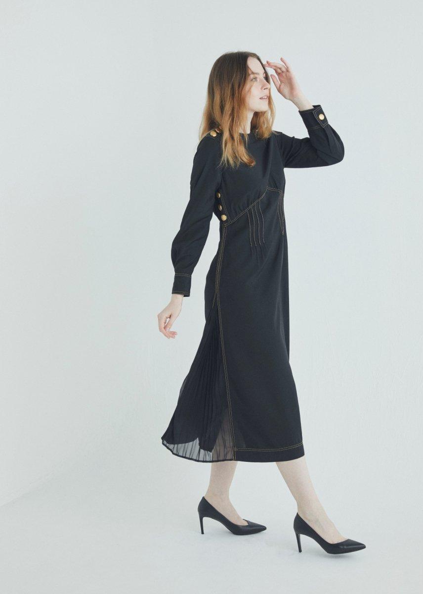 Button pleats dress