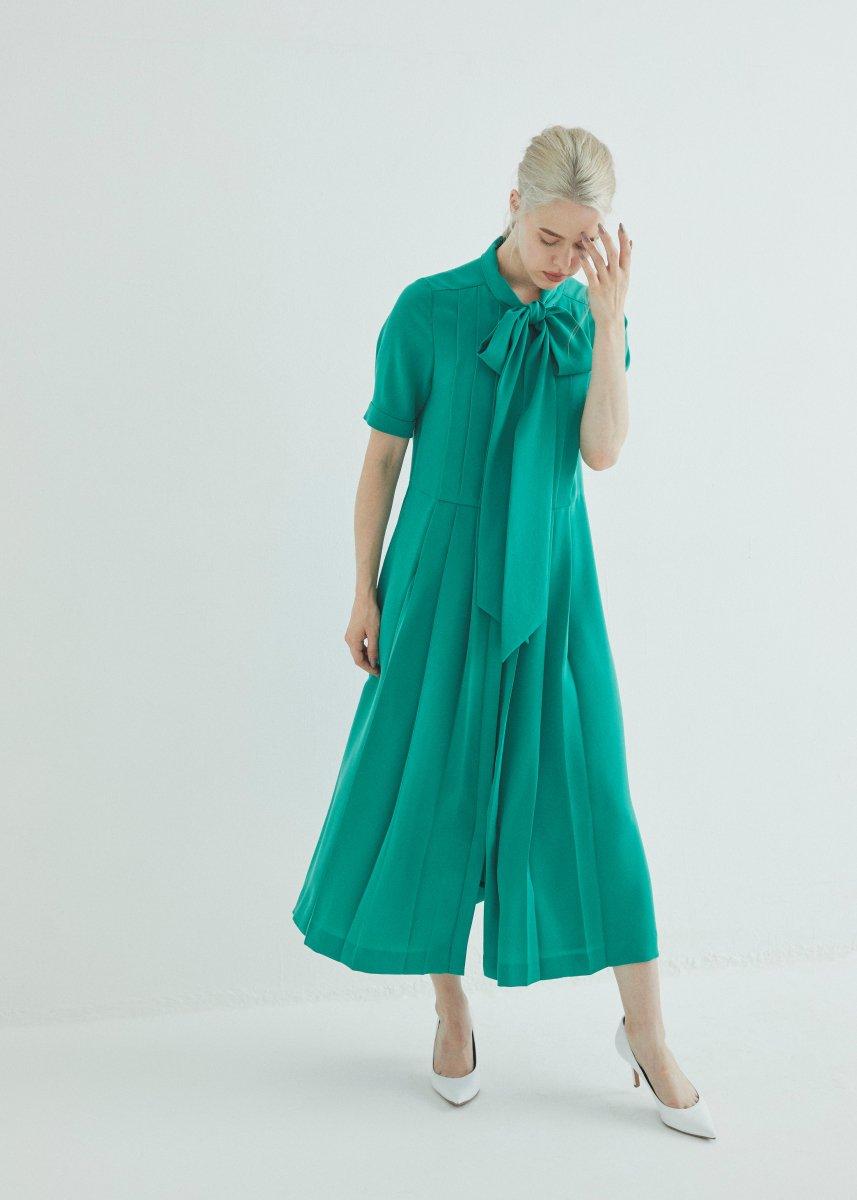Short sleeves front ribbon dress