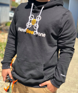 <img class='new_mark_img1' src='https://img.shop-pro.jp/img/new/icons26.gif' style='border:none;display:inline;margin:0px;padding:0px;width:auto;' />NewBeeDrone Team Hoodie - BLACK アメリカMサイズ  (日本Lサイズ)