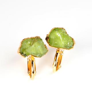 ペリドット(グリーンA) 天然石 原石スタッズイヤリング-ゴールドカラー