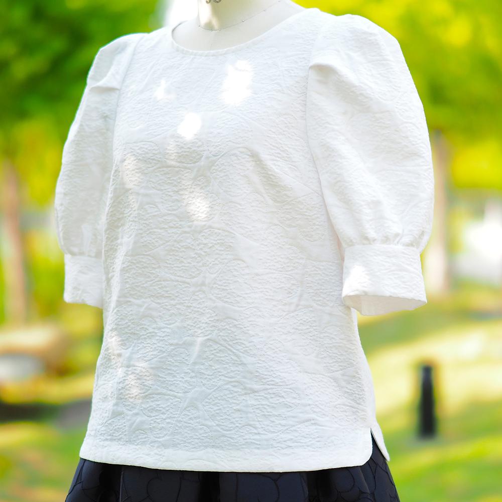 【隠したハート】ボリュームスリーブプルオーバーシャツ(ハートジャカード)
