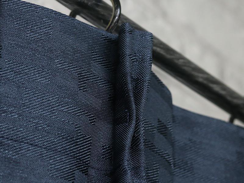 いくつもの織り柄による美しい素材感がポイントの防炎ドレープカーテン 『ラクス ネイビー』■欠品中(次回入荷未定)