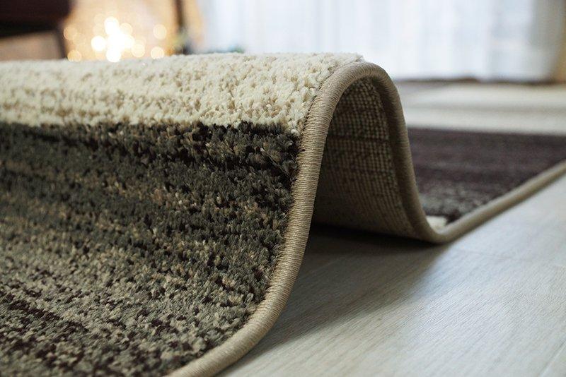 タイルをランダムに並べたようなモダンデザイン ウィルトン織りラグ 『チュイル ブラウン』