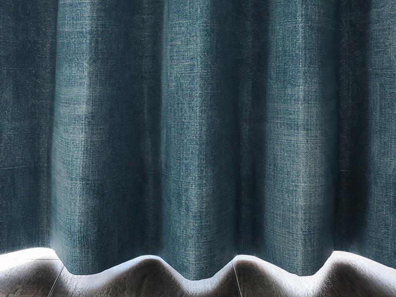 ジーンズデザインでクールな空間に!日本製の遮光ドレープカーテン 『デニムスタイル ライトブルー』