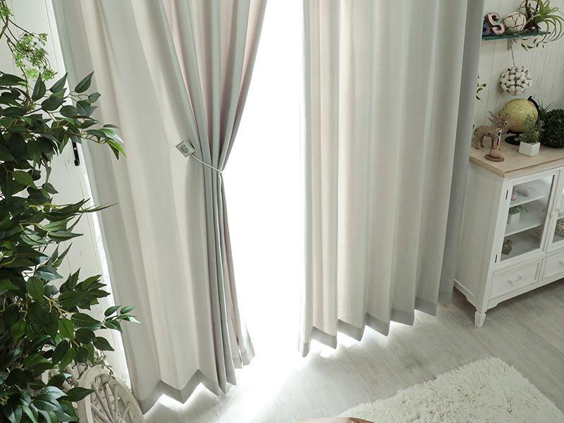 空間にやさしい陽の光を。日本製の非遮光ドレープカーテン 『ソワレ グレー』