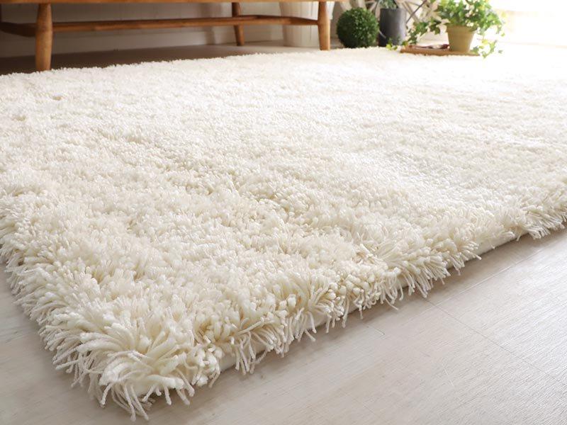 100サイズ 糸の太さや色が異なる質感が気持ちいい国産シャギーカーペット【ブルーム アイボリー】