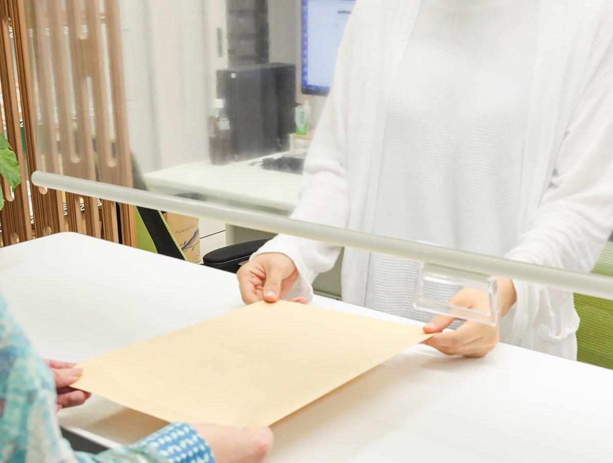 ウィルス感染対策!飛沫防止!日本製オーダーロールスクリーン『透明ロールスクリーン』プルコード式