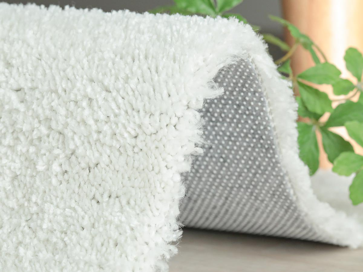 欲しい機能がフル装備!手洗いできる国産高級ナイロンシャギーラグ『ルーチェ ホワイト』■130x190cm:完売