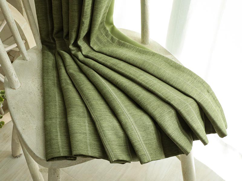 翌日出荷!丈つめ無料!高級感ある素材とデザインの遮光ドレープカーテン 『シンフォニー トロイメライ 2枚組』