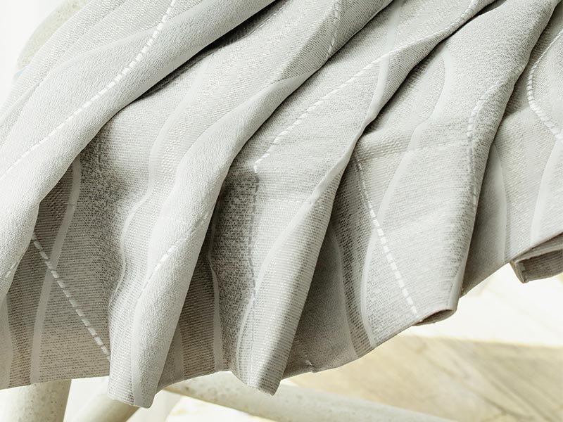 上品な雰囲気のウェーブ柄が窓辺から癒しを与える裏地付き日本製ドレープカーテン 『スリール グレー』