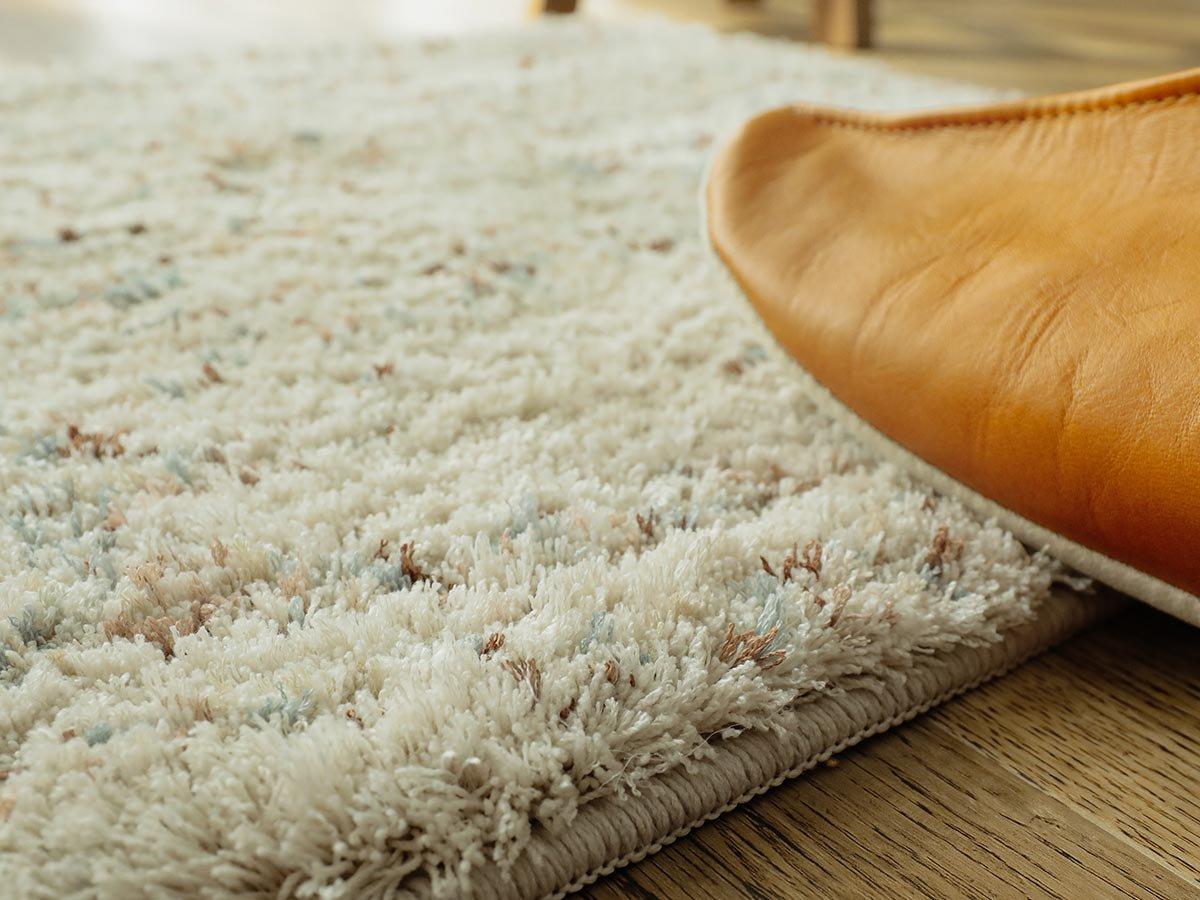 手洗い可能!長めの毛足がふわふわのミックスカラーデザイン玄関マット『エルメ アイボリー』