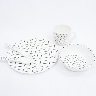 BABY GEOMETRY MELAMINE TABLEWARE SET【chocolatesoup】