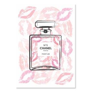 CHANEL Kiss