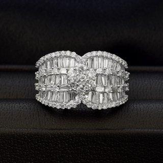 2カラット ダイヤモンド リング K18ホワイトゴールド テーパー ダイヤモンド 鑑別書付 保証書付 インポート ボリューム 豪華