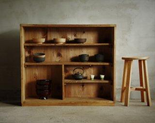 木味の陳列棚/本棚